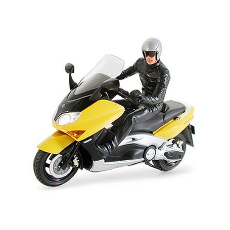 Yamaha Tmax w/rider Figure 1/24